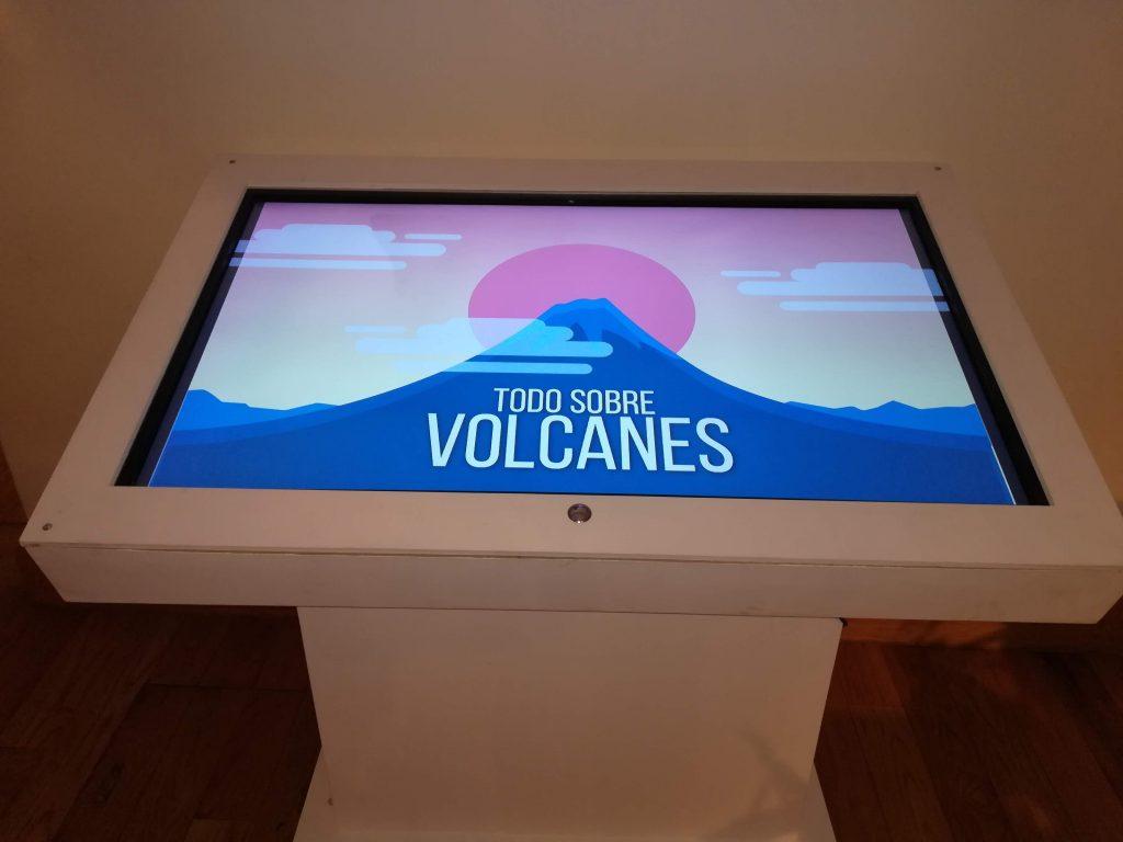 Pantalla táctil con interactivo digital Learny - Museo Geofísica de la UNAM